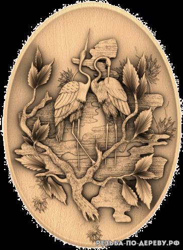Резное панно Страусы - тарелка из дерева