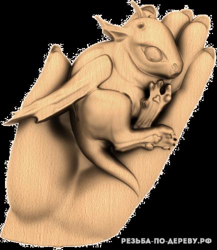 Резное панно Дракоша из дерева